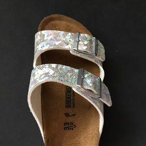 1006fa32ea5 Birkenstock Shoes - Little Girls Birkenstocks Size 2.5 33